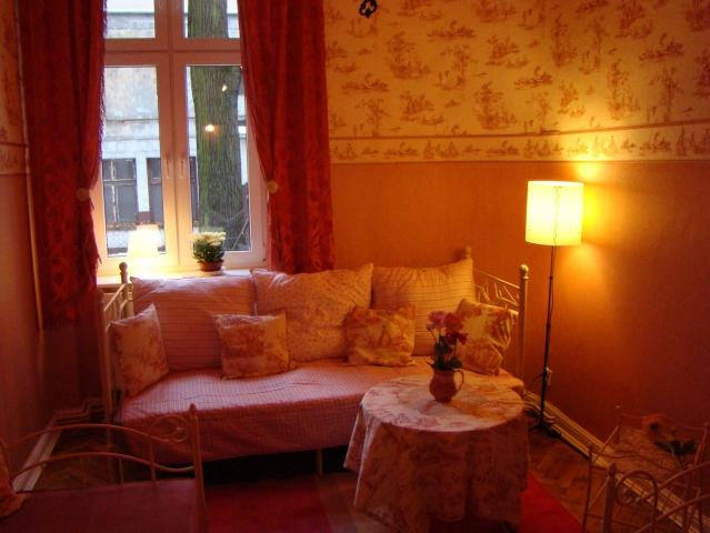 pokój numer 5 w hosteliku wiktoriańskim w łodzi